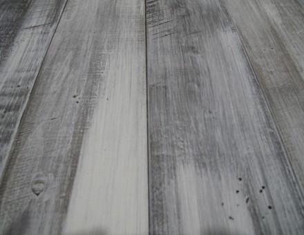 エイジングホワイト(トップコートレス)ベース色ダーク 通常は、この上から別の浸透性塗料でコートしますが白を強調した仕上。