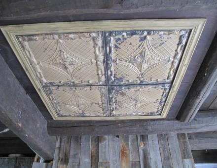 天井に使用 (BULLET JAPAN 1F)