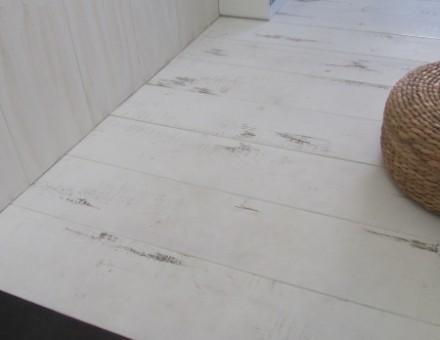ジャンクホワイト(SPF材サネ加工品) (大阪府 Y様邸 子供部屋)