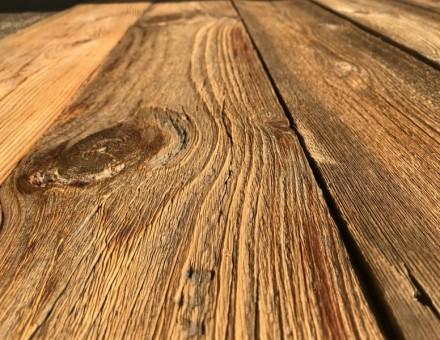 不燃古材Fence Woodの表面をホイルサンダー加工(無塗装) 凹凸を残して色だけを飛ばす仕上です (国土交通大臣認定 不燃材料認定番号 NM-0750)