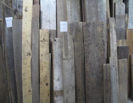 建物の解体材のため、色目、厚み、幅、長さはランダム
