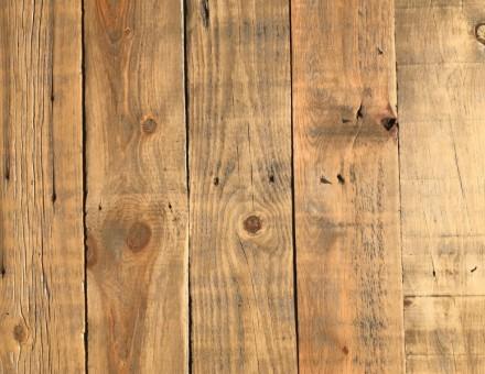 不燃古材Fence Woodの表面をサンディング加工(無塗装) 凹凸をペーパーで削ってフラットにする仕上 (国土交通大臣認定 不燃材料認定番号 NM-0750)