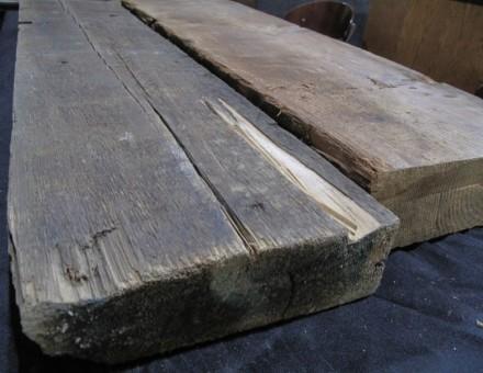 古材のため、ほぞ穴、釘、釘跡、割れ等が含まれます。 ダグラスファー(米松は赤みをおびた樹種で最もメジャーです)