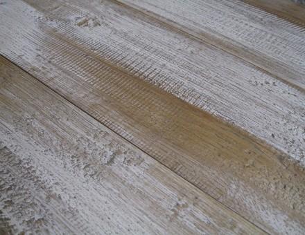 エイジングホワイト(トップコートレス)ベース色ライト 通常は、この上から別の浸透性塗料でコートしますが白を強調した仕上。