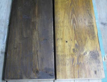 サンディング加工 + ウッドステン塗装仕上(左Walnut、右Fruit Wood)