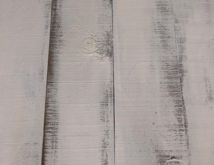 表面全体がノコ目があり、塗装の具合で濃淡を演出。 ビンテージホワイトの基本はマット塗装仕上です。