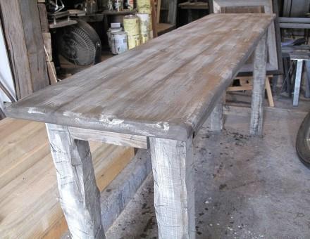 テーブルの脚として(エイジングホワイト仕上)