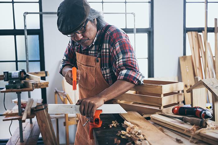新品木材を古材風に加工する方法とは?