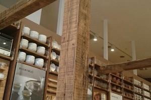 150角フラットビーム、サンディング加工、無塗装(MUJI 神戸バル店)