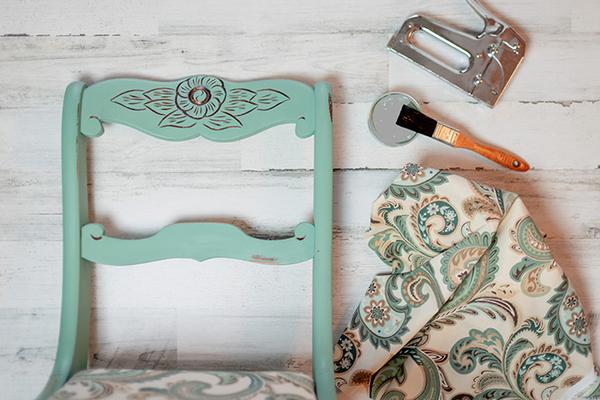 エイジングとは?最適な古材や塗装する手段を解説サムネイル