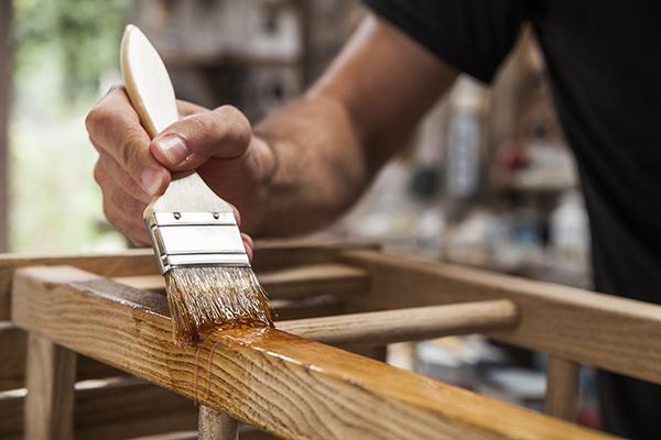 古材の家具は毎日の簡単なお手入れと定期的なメンテナンスで長く愛用サムネイル
