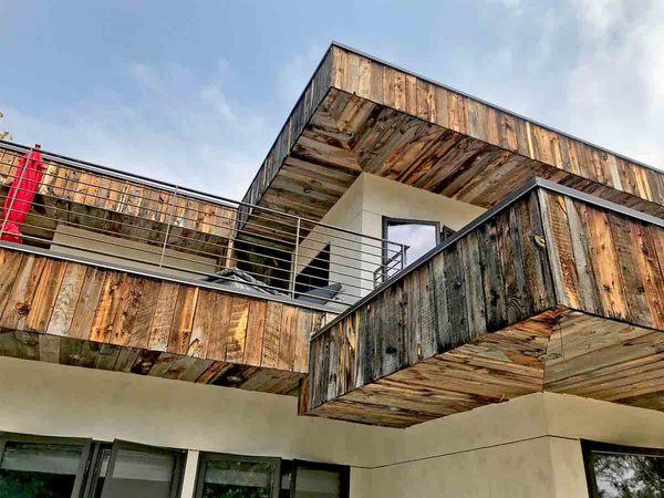 導入事例(住宅の外壁に古材を使用した海外物件USA)サムネイル